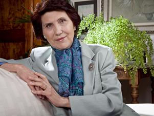 Silvia Bonino Pinerolo Psicologa e psicoterapeuta, è professore onorario di psicologia dello sviluppo e dell'educazione all'Università di Torino -