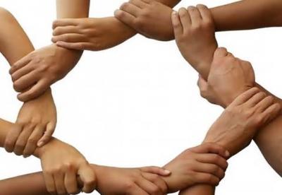 La tendenza naturale degli esseri umani all'altruismo